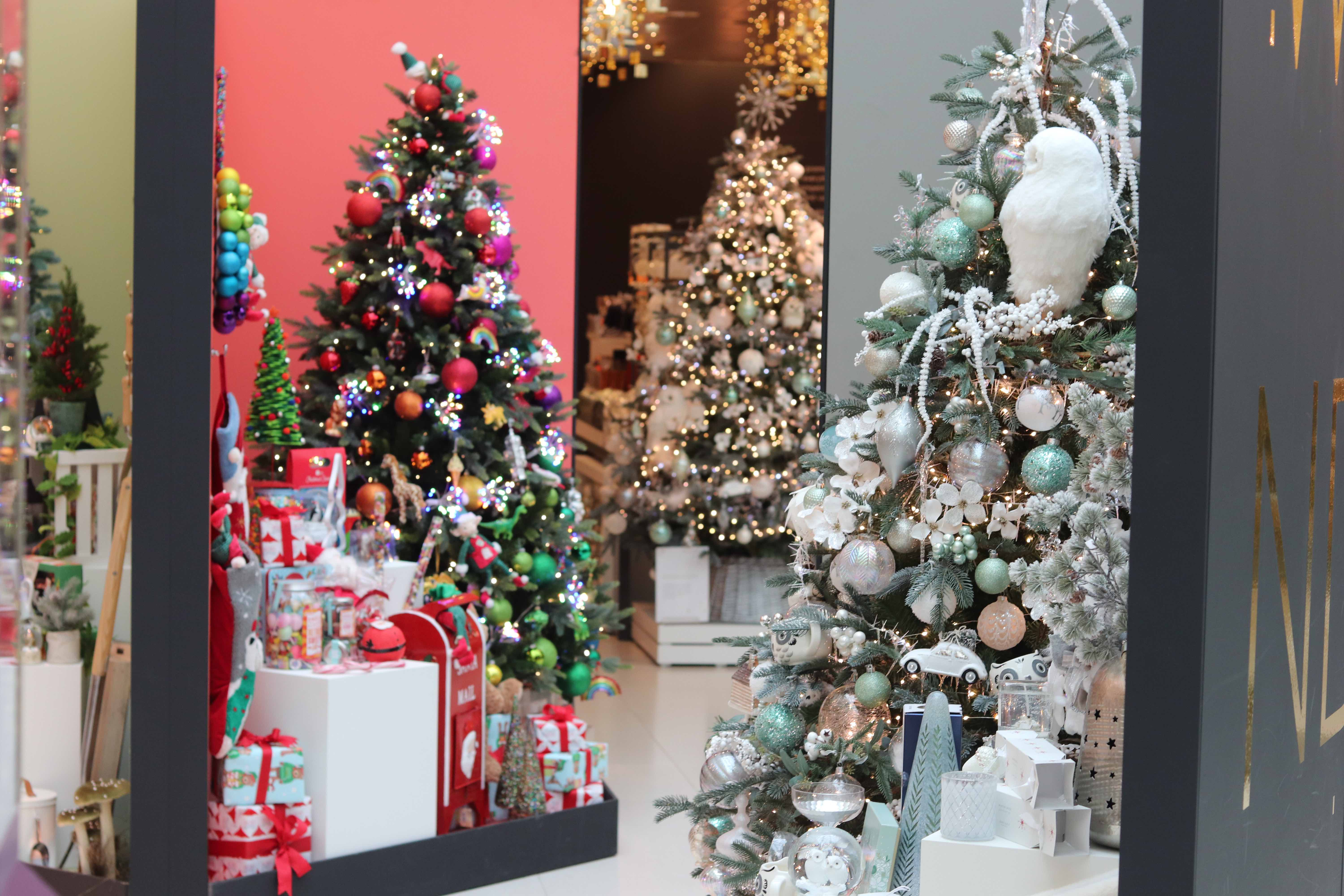 John Lewis Christmas Tree.Christmas Shop At John Lewis Partners Opens With A Range