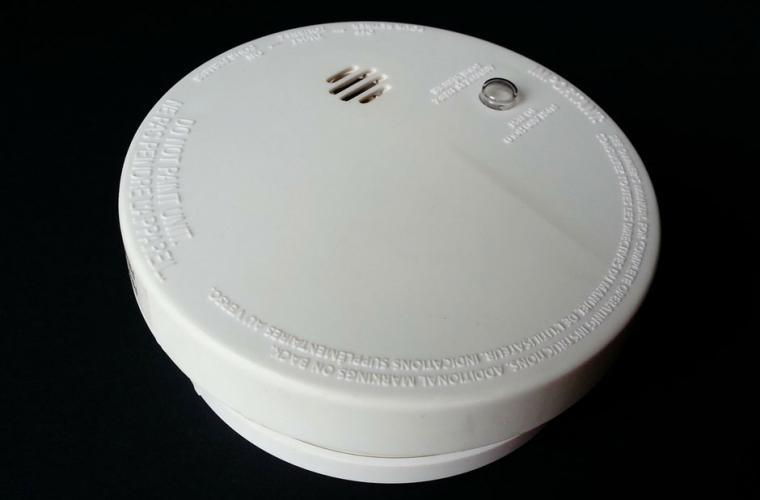 faulty smoke alarm batteries